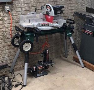 delta-miter-saw-on-stand