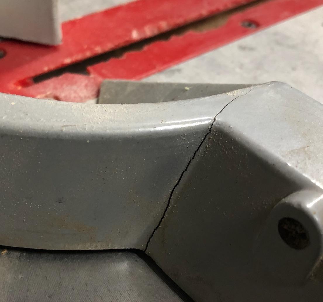 miter-saw-crack